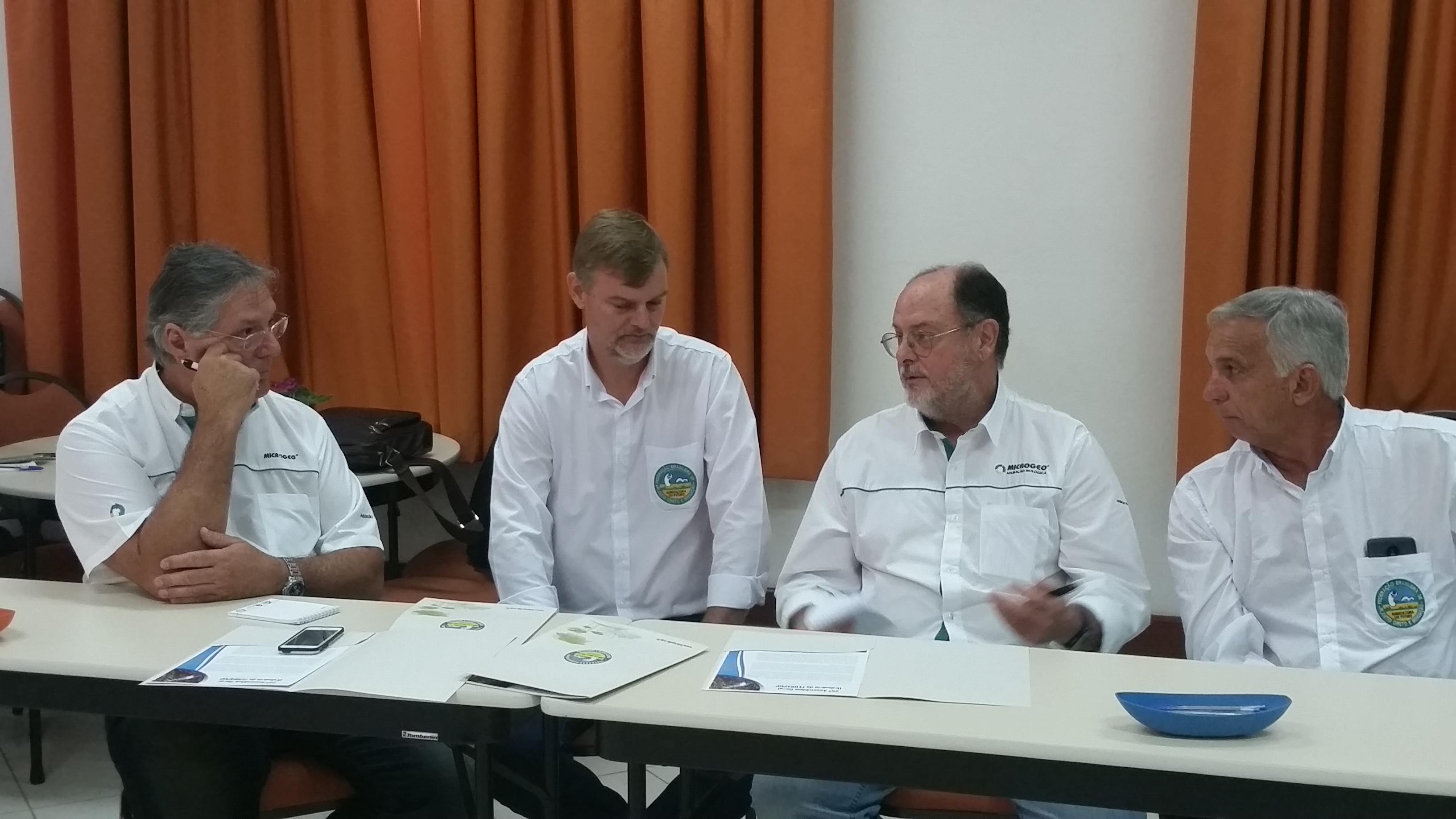 Jairo Pegoraro (Microgeo), Alfonso Sleutjes, Paulo D´Andréa (Microgeo) e Lucio Damalia