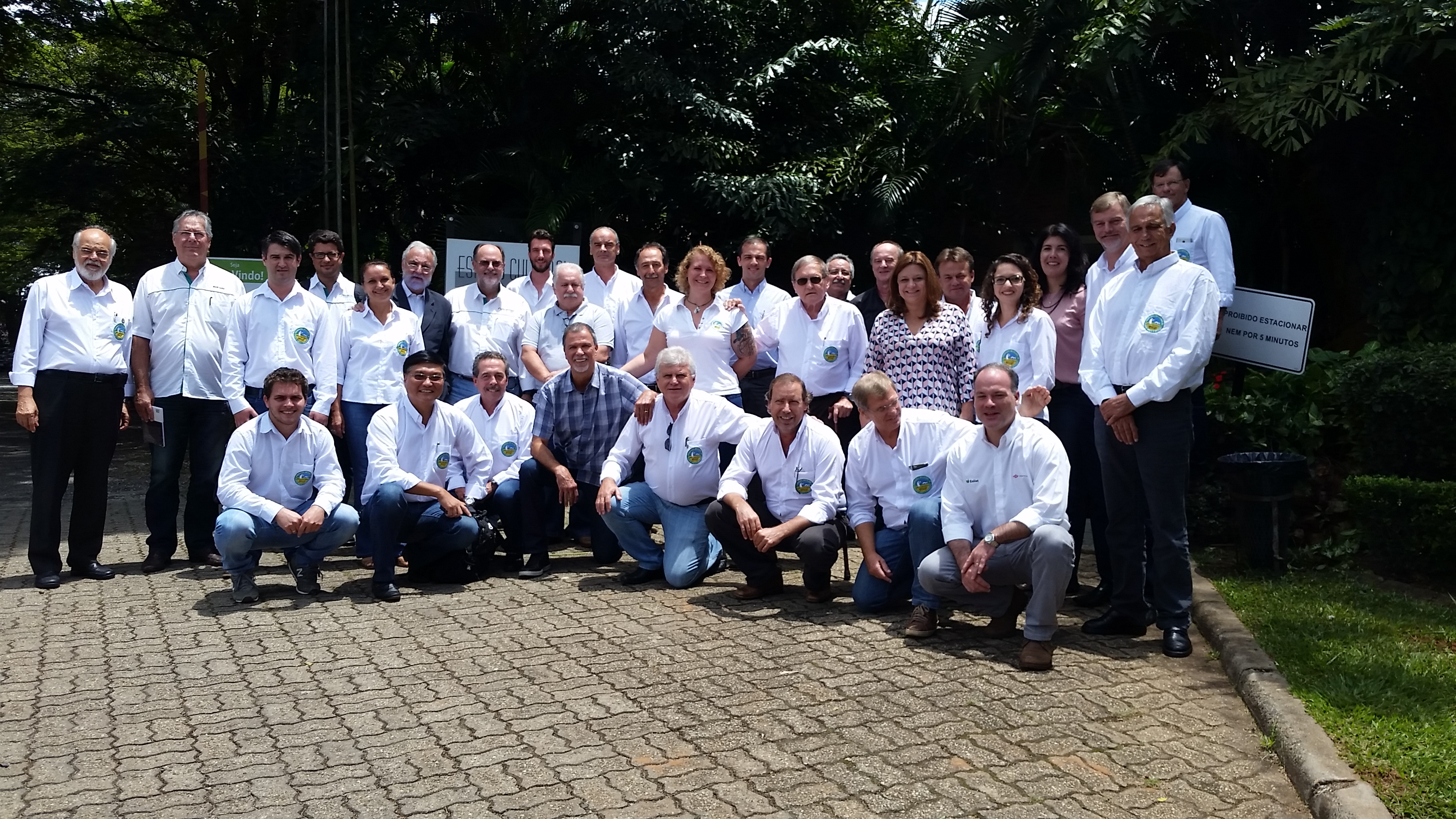 """Participantes da reunião do """"Amigos da Terra"""""""