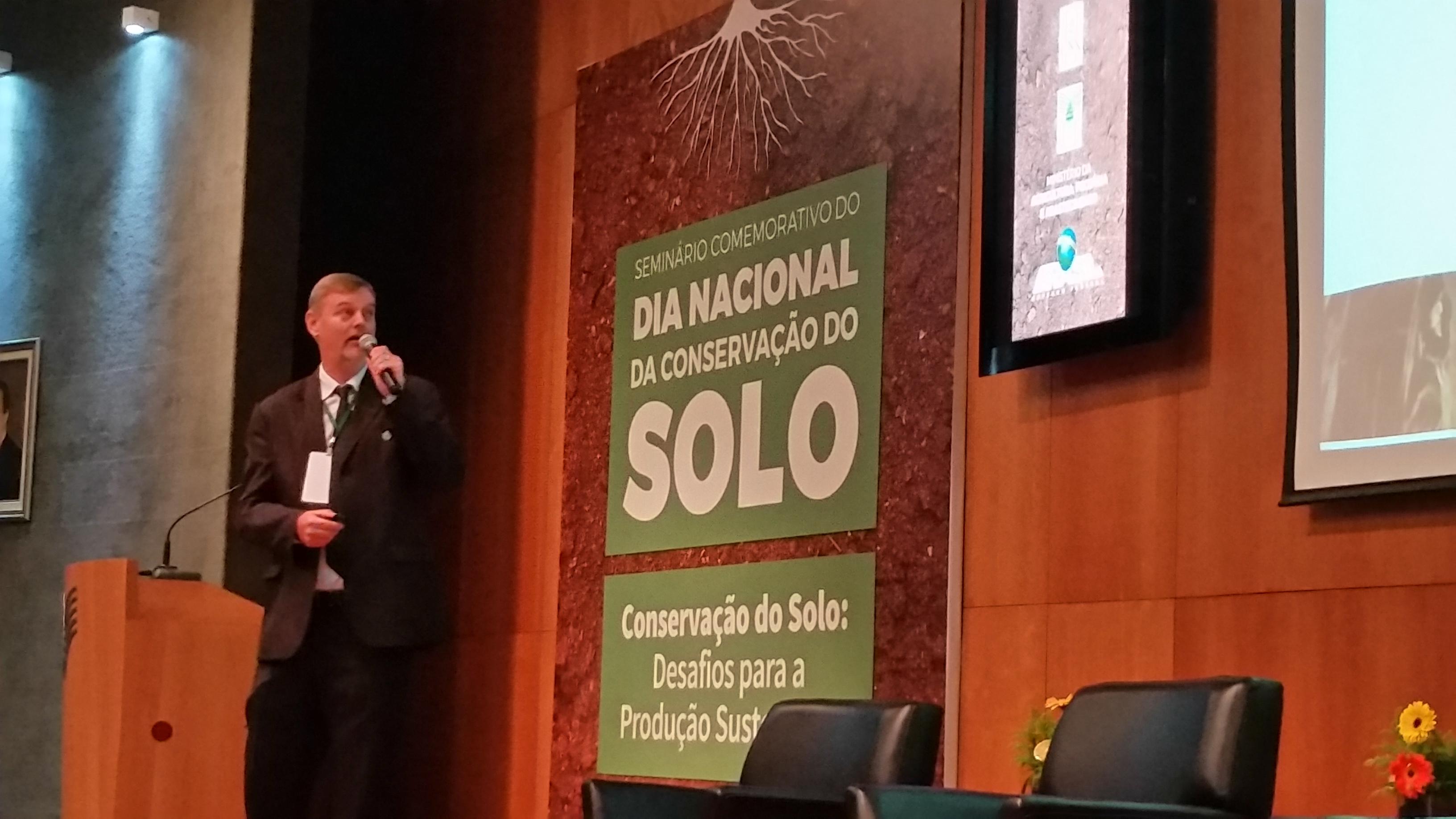 Alfonso Sleutjes em palestra