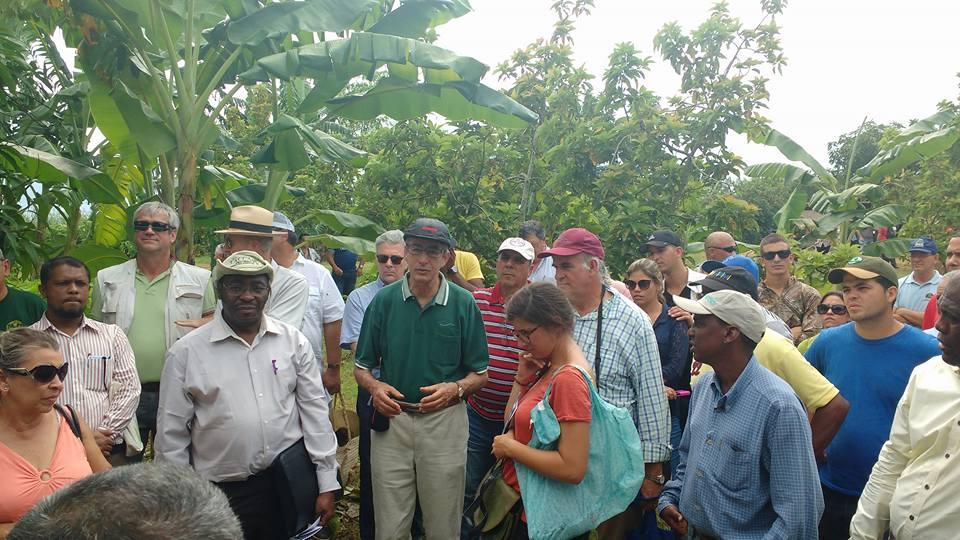 Visita à segunda propriedade local em Pinar del Río, Cuba. — com Rolf Derpsch
